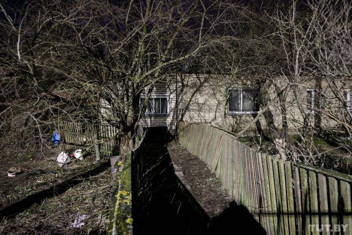 Квартиру в этом доме снимала семья погибшей девочки. Фото: Ольга Шукайло, TUT.BY