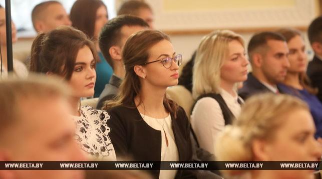 Лукашенко – студентам, которые стремятся уехать за границу: «Вы всегда будете там чужими людьми, второго сорта»