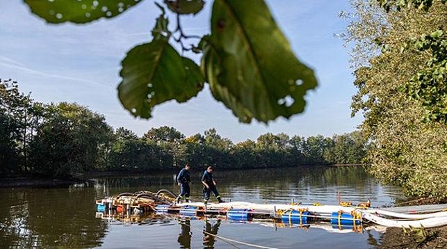 Полиция Германии осушает озеро, чтобы найти труп женщины