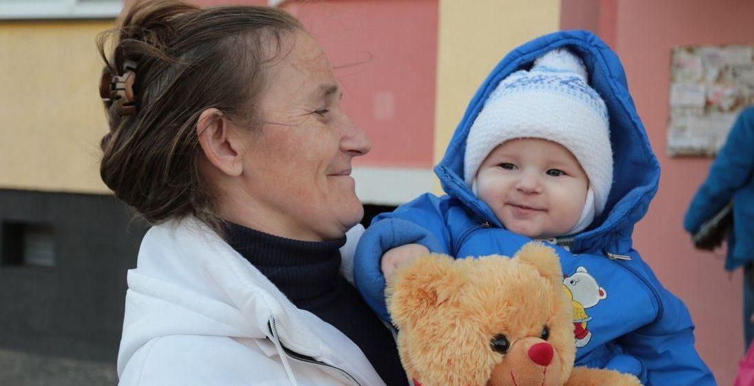 Как в Барановичском регионе помогают женщинам, оставшимся после пожара с грудным ребенком без крова над головой