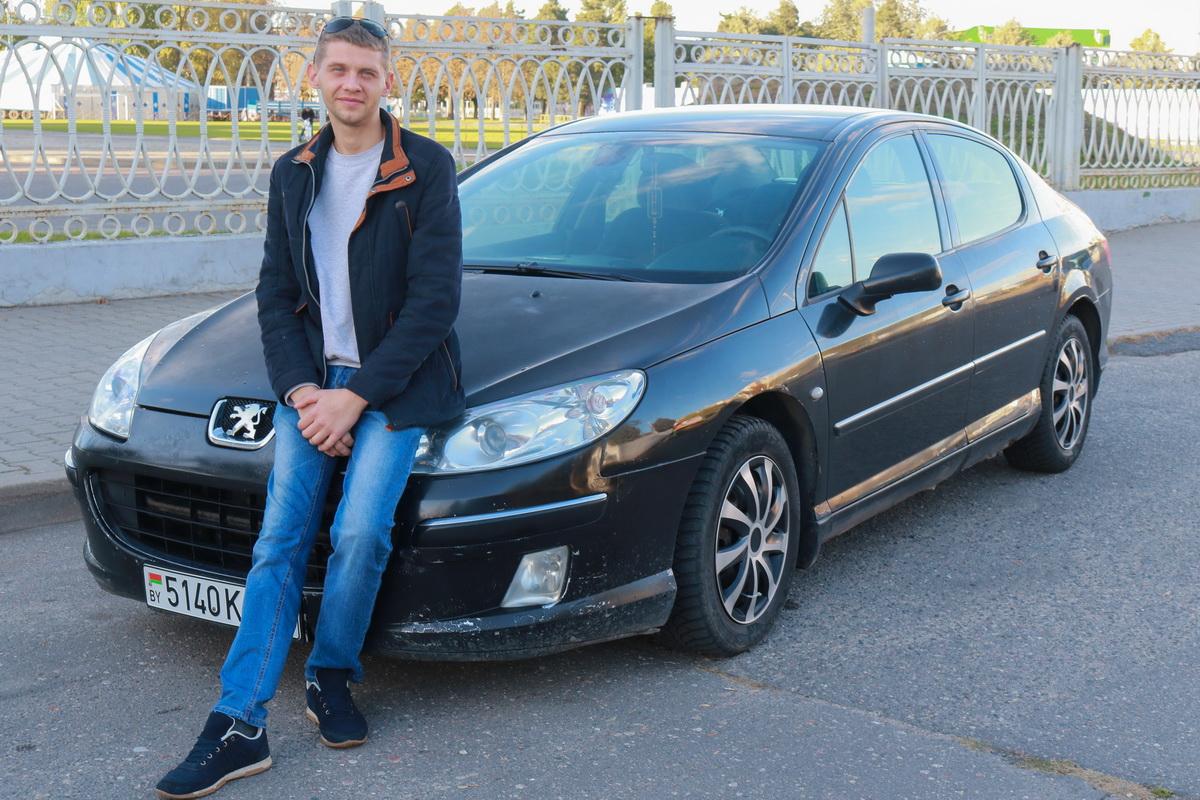 Владелец  Peugeot 407 2004 года выпуска Сергей Павлов.  Фото: Александр ЧЕРНЫЙ