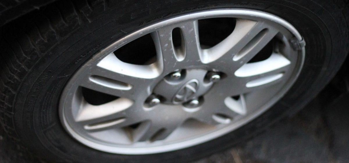 Под Барановичами мужчина украл у односельчанина автомобильные диски на 1200 рублей