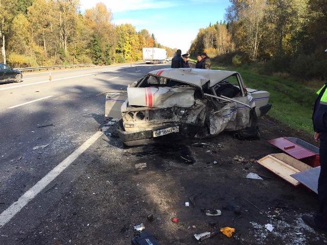 В Смоленской области произошло лобовое столкновение легковых автомобилей. Погиб белорус