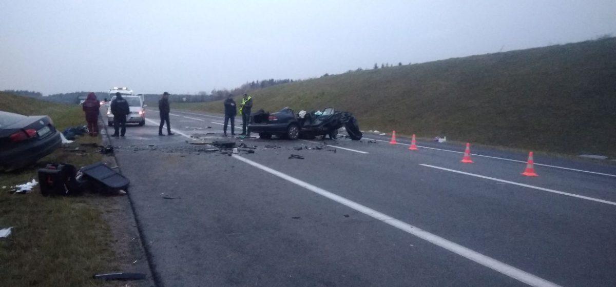 Лобовое ДТП возле Радошковичей: погибли четыре человека, еще пятеро в больнице