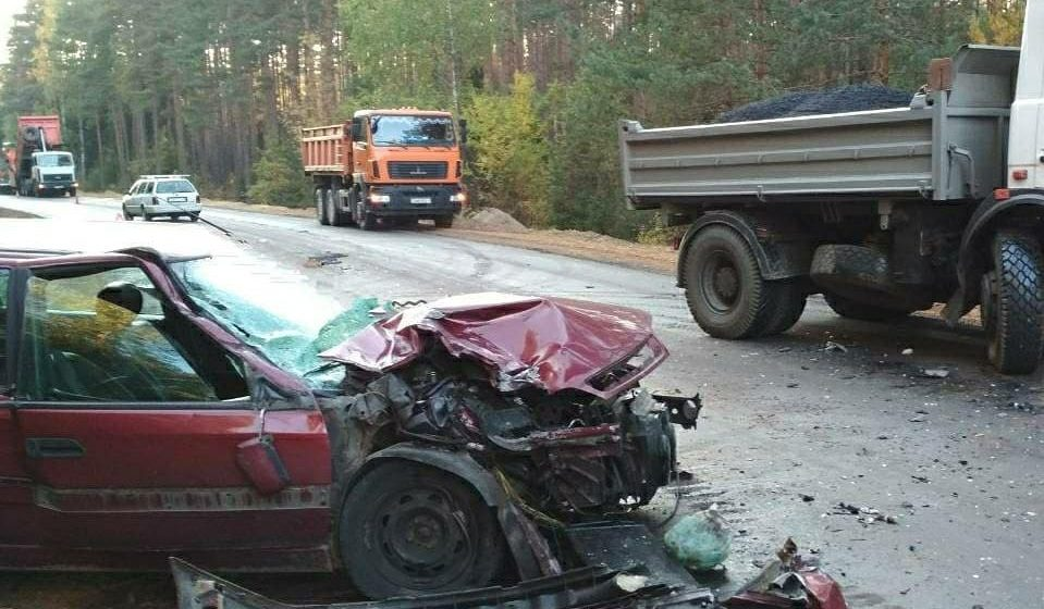 В Барановичском районе легковушка врезалась в МАЗ