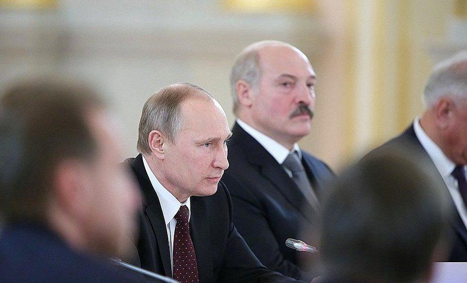 Лукашенко назвал смешными разговоры о включении Беларуси в состав России