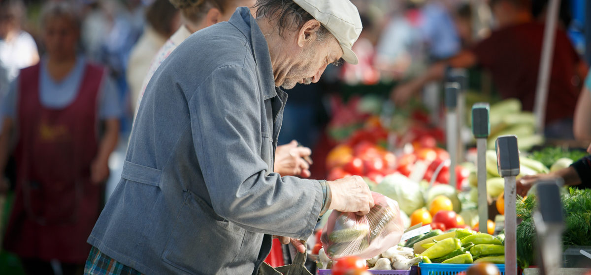 Как в Беларуси с 2000 года менялись расходы на больничные, пенсии и детские пособия