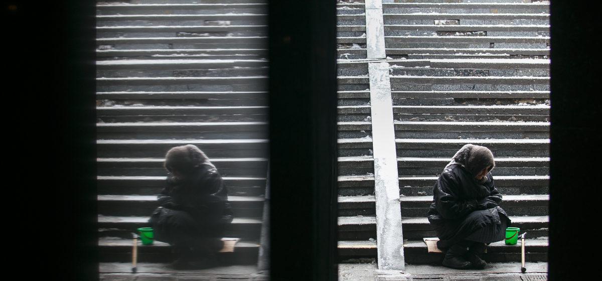 В Беларуси три года подряд растет число бедных. Сколько за чертой бедности детей и пенсионеров