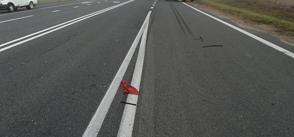 Под Островцом грузовик насмерть сбил пешехода