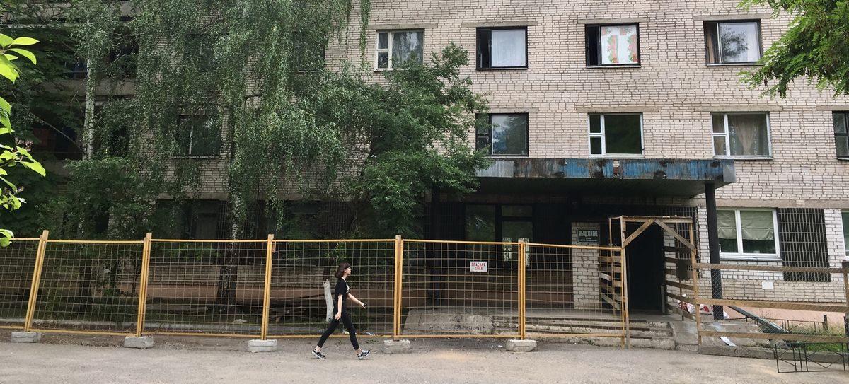 В Барановичах осудили женщину, которая зарезала мужа в общежитии на улице Пролетарской