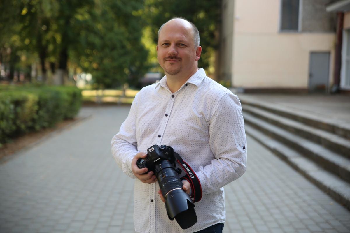 Фотограф Анатолий Нестерук. Фото: Евгений ТИХАНОВИЧ