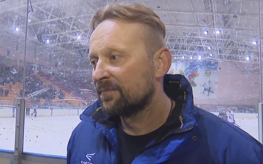 Главный тренер ХК «Барановичи» прокомментировал слова руководства клуба о задаче попасть в тройку. «Это она чего-то погорячилась»