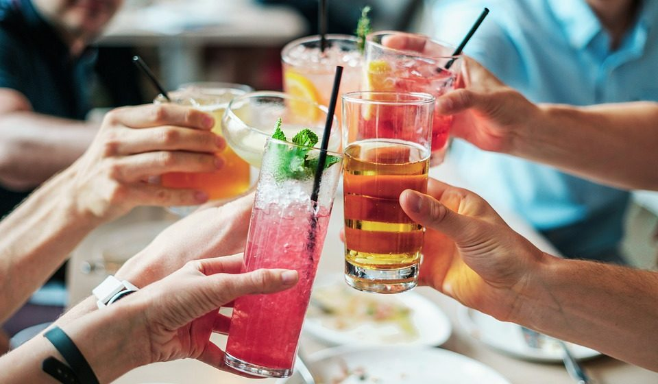 Названы самые вредные для организма напитки