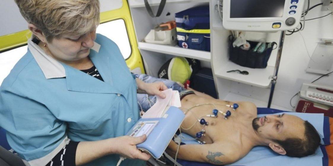 В Боровлянах пациент больницы, не дождавшись врача, украл аппарат ЭКГ