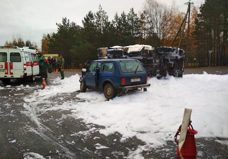 В Светлогорском районе после столкновения с «Нивой» перевернулся грузовик «ГАЗ-53»