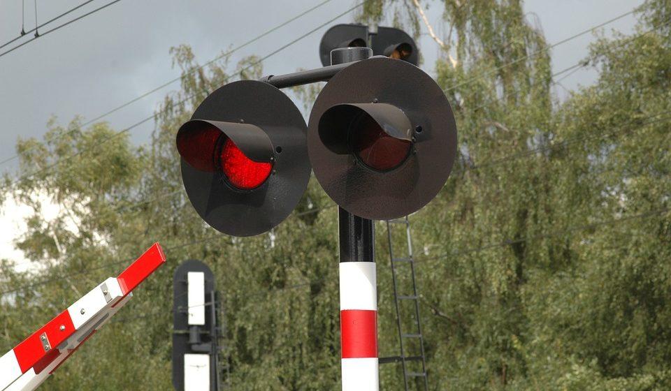 В Украине погиб 42-летний белорус — на МАЗе попал под поезд