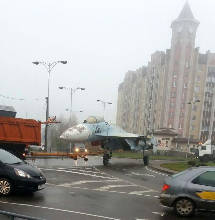 СУ-27П на кольце ул Советской и ул Брестской. Фото: читателей Intex-press