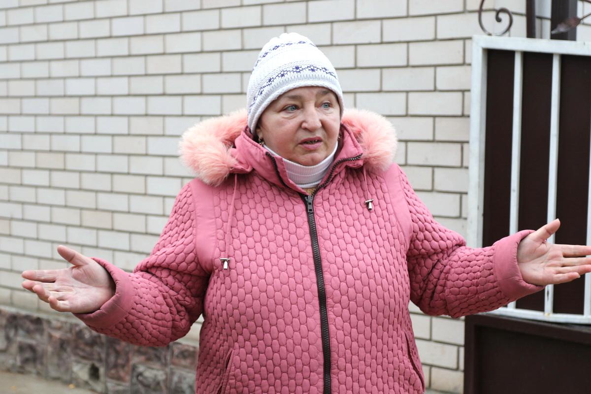 Хозяйка погибшего пса Наталья Романюк. Фото: Александр ЧЕРНЫЙ