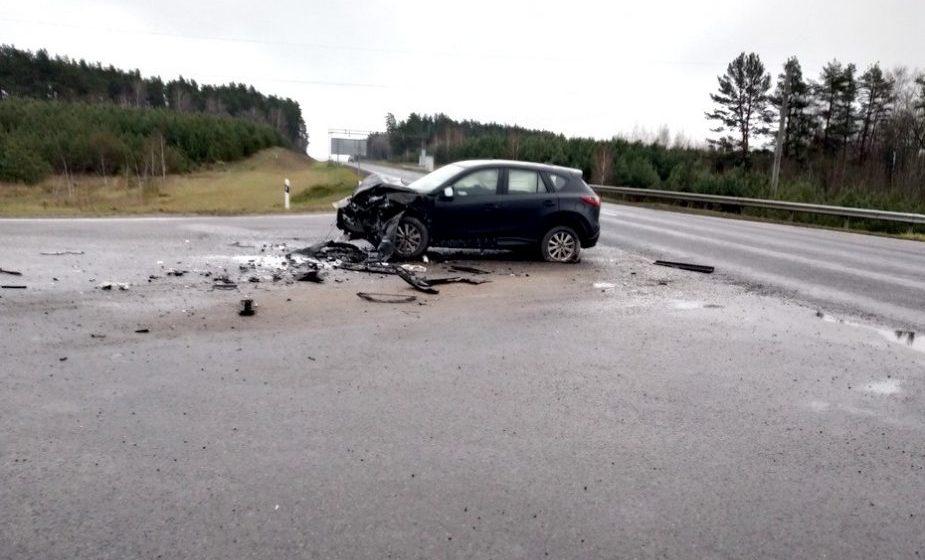 На трассе Барановичи — Гродно «Мазда» столкнулась с КамАЗом
