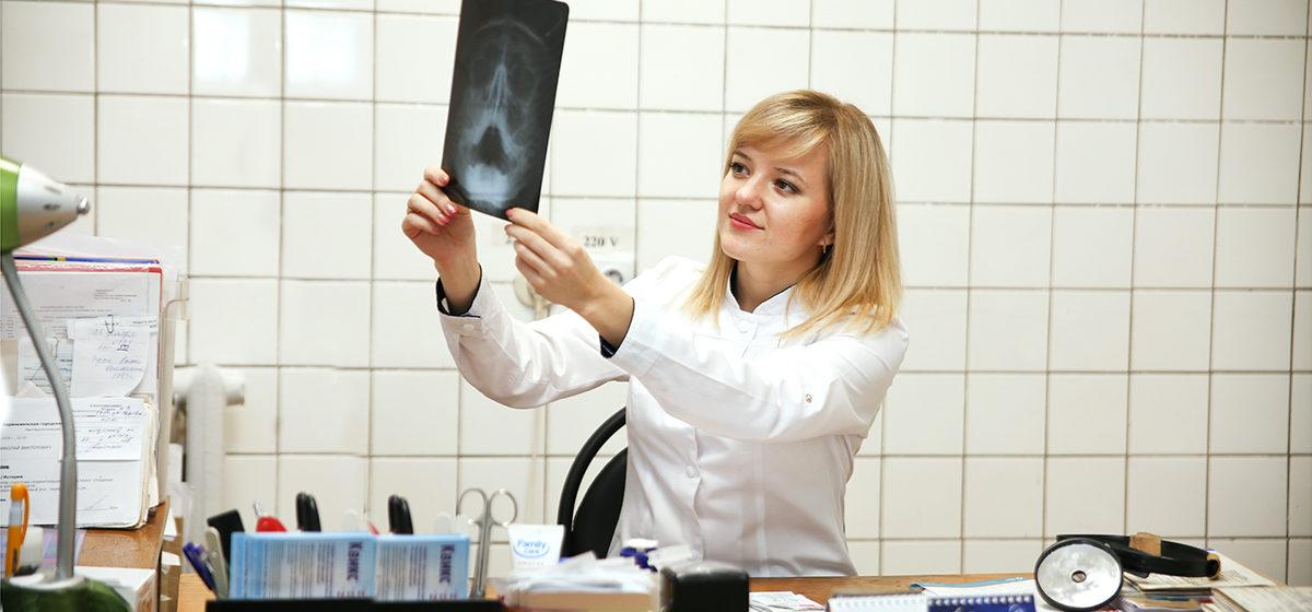 Шесть мифов о насморке. Почему не помогут прогревание и чесночный сок, объясняет барановичский оториноларинголог