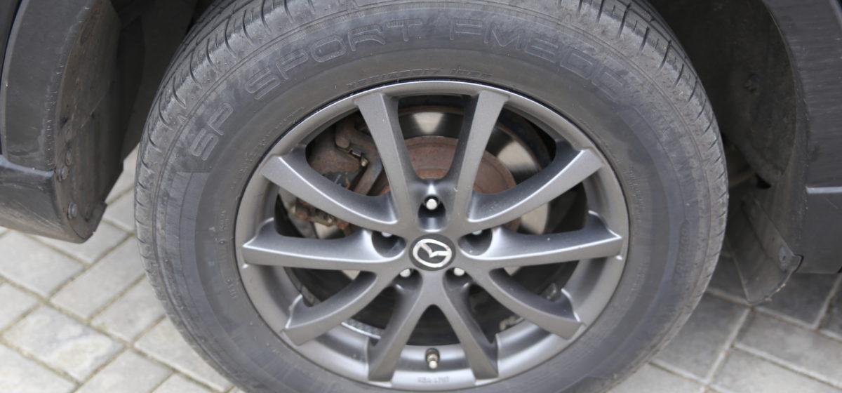 С 1 декабря ГАИ начнет штрафовать водителей за летние шины