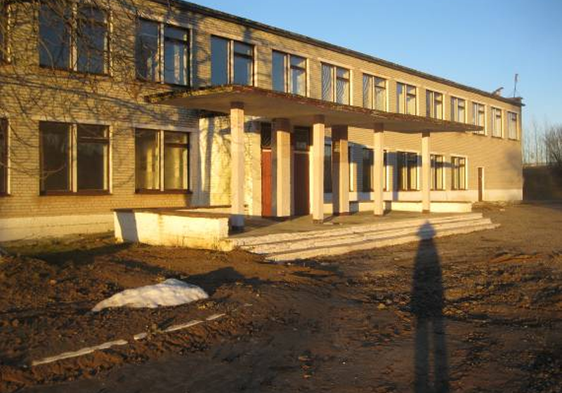 В Барановичском районе бывший сад-школу продают по цене детского стульчика
