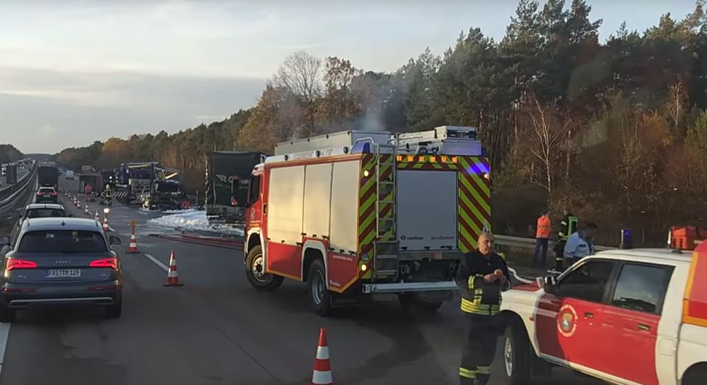 В Германии в серьезной аварии погиб дальнобойщик из Беларуси