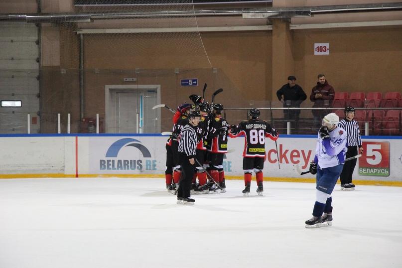 ХК «Барановичи» одержал вторую подряд победу на домашнем льду