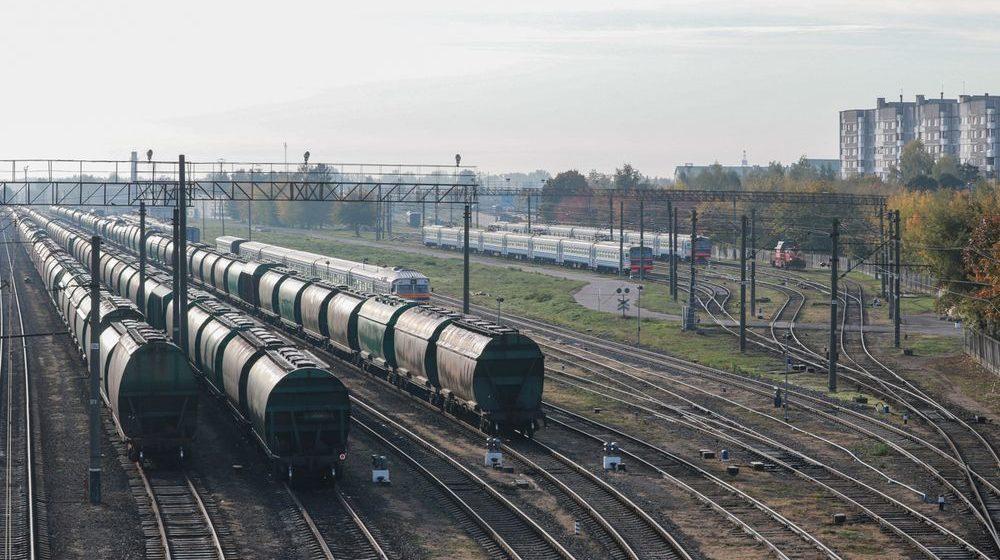 В Иваново мужчина погиб под колесами грузового поезда