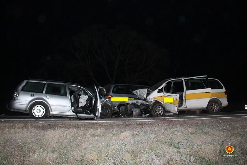 Под Волковыском в тройной аварии погиб один человек и четверо пострадали