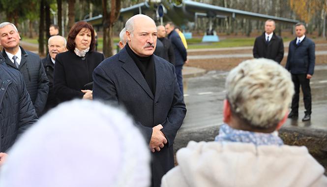 Лукашенко — Польше: Не надо создавать лишние базы, иначе мы с россиянами должны будем отвечать