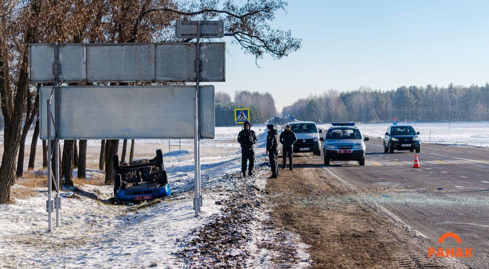 Под Светлогорском после столкновения с BMW перевернулся милицейский ВАЗ, пострадала служебная собака