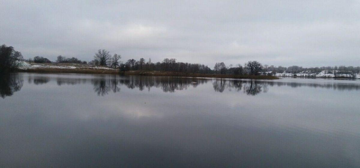 В Полоцком районе на озере перевернулась лодка с рыбаками, погибли двое мужчин