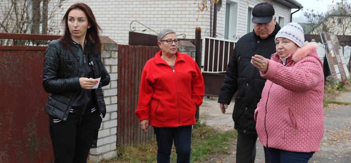 В Барановичах женщина вывела выгулять собаку, а сосед застрелил животное. На улице мужчину называют живодером
