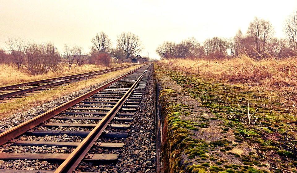 Житель Лунинца позвонил знакомой и погиб под поездом