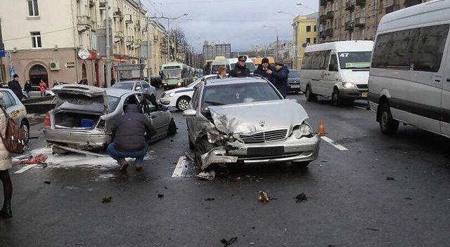 Массовое ДТП в Минске: две девушки находятся в реанимации