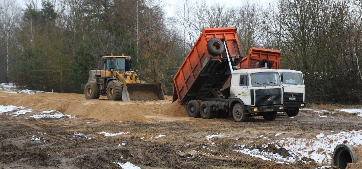 В Барановичах продолжается строительство новой дороги
