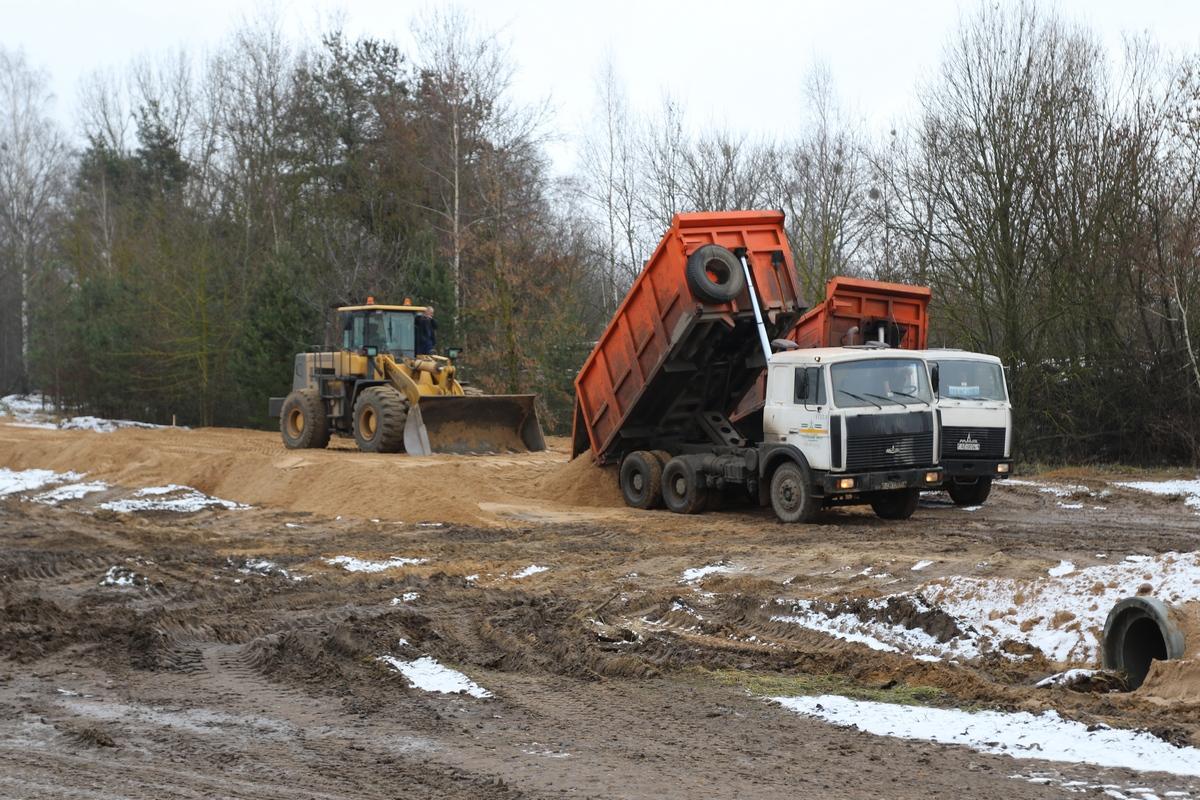 Строительство новой дороги в Барановичах. Фото: Александр ЧЕРНЫЙ