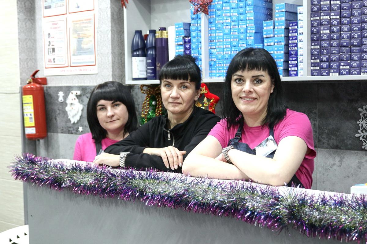 Профессионалы парикмахерской «На Советской» сделают ваш образ незабываемым. Фото: Александр ЧЕРНЫЙ