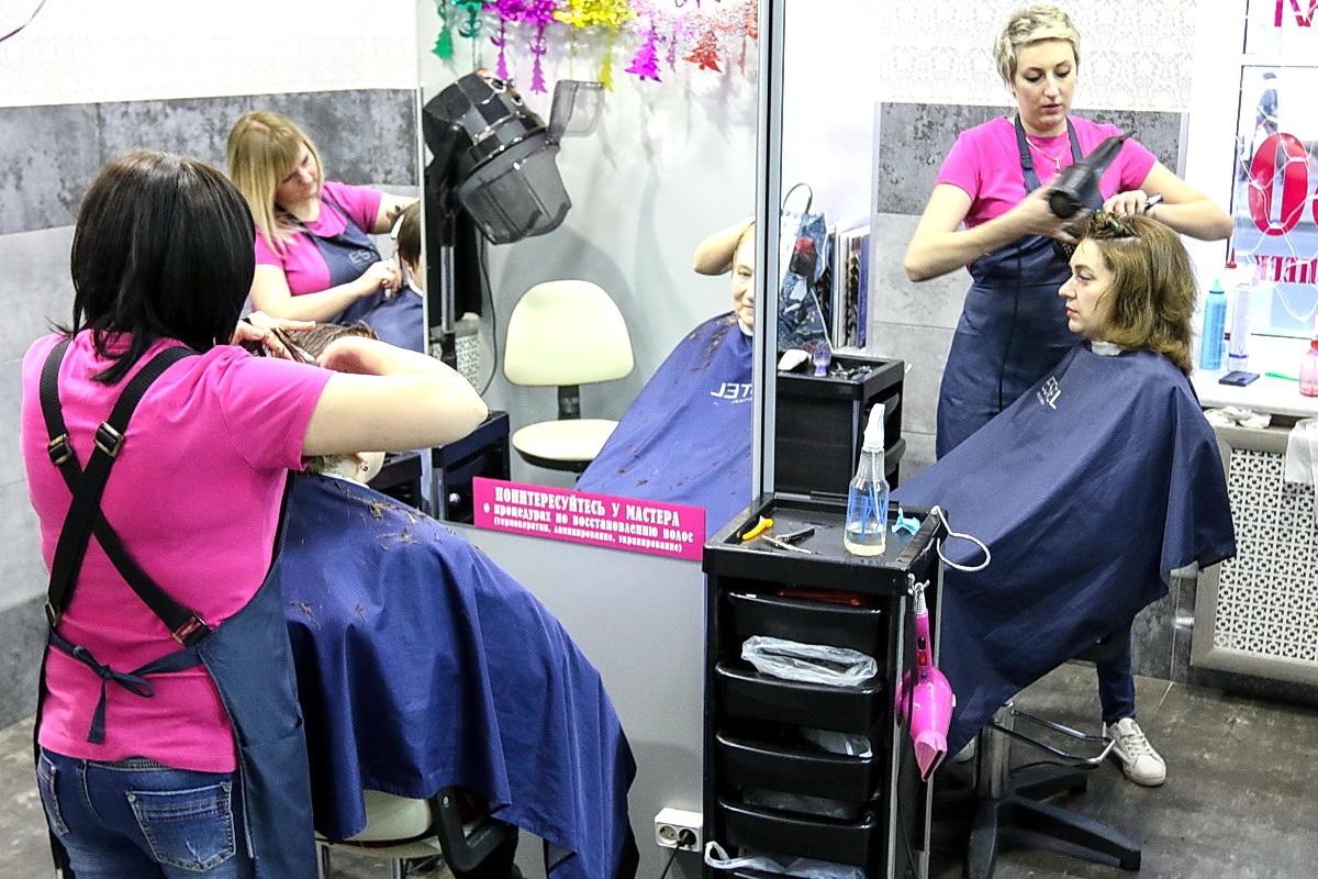 Комфортная обстановка и качественные услуги обеспечены всем клиентам парикмахерской «На Советской». Фото: Александр ЧЕРНЫЙ