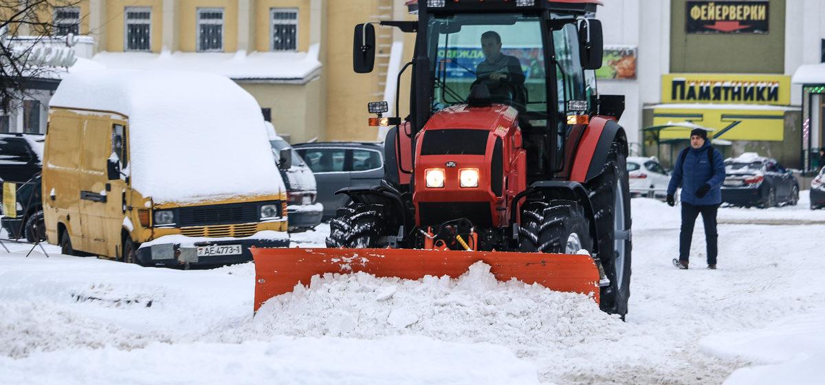 Море снега в Барановичах (фоторепортаж)