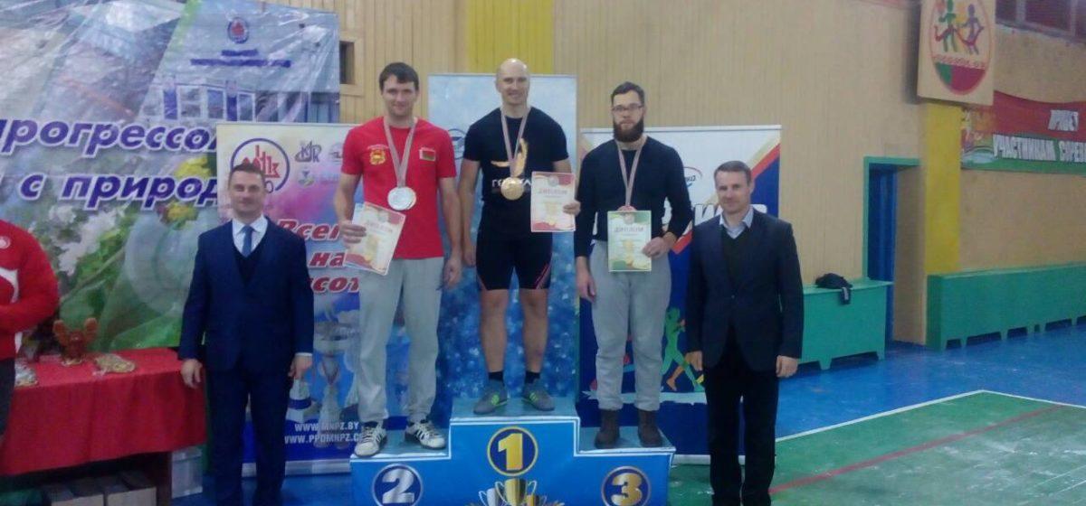 Барановичский спортсмен гиревого спорта завоевал награды Кубка страны