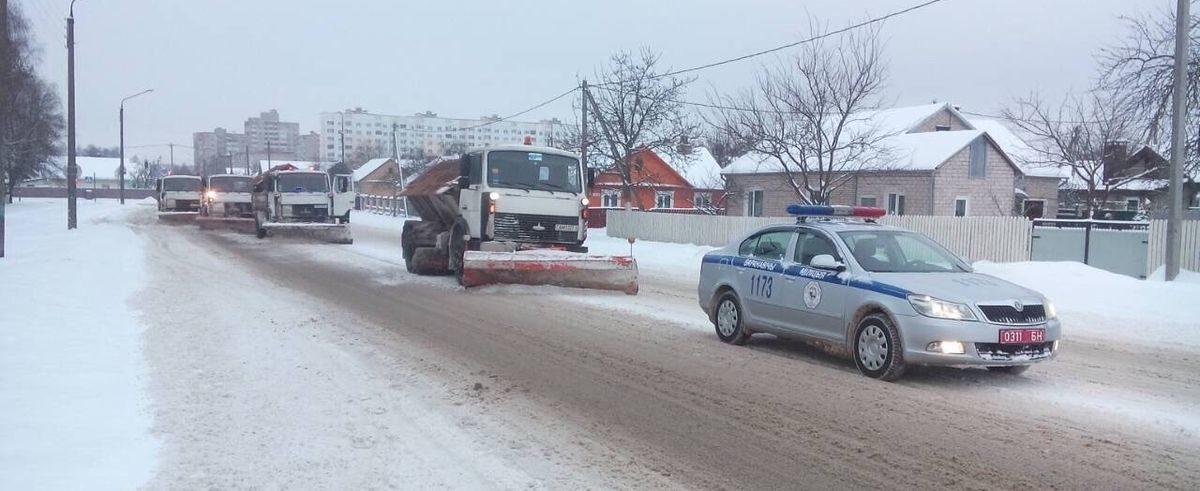 В Барановичах 20 декабря сотрудники ГАИ будут эвакуировать машины, которые мешают расчистке улиц