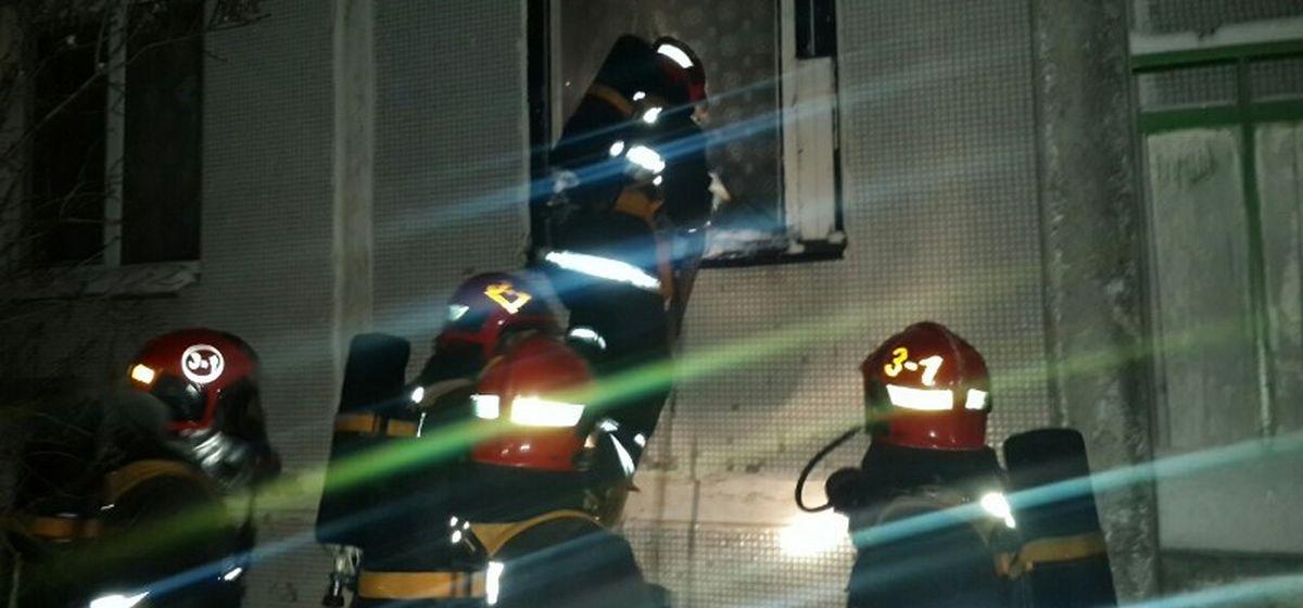 Двух пенсионеров спасли на пожаре в Барановичах