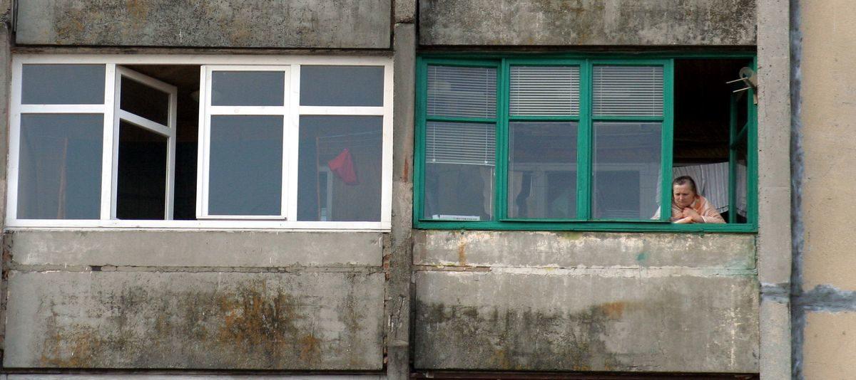 В Барановичах 15-летний подросток разрисовал балкон пенсионера. Мужчина подал заявление в милицию