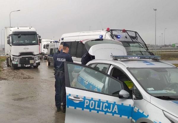 «Говорят, пил по пути в Берлин прямо за рулем», — польская полиция задержала пьяного белоруса-дальнобойщика