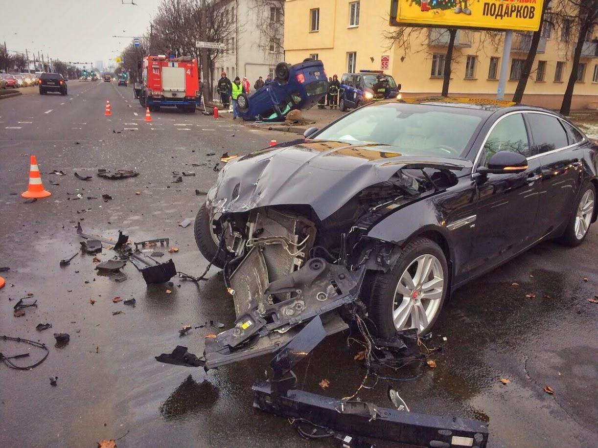 ДТП на перекрестке улиц Орловской и Нововиленской. Фото: Следственный комитет