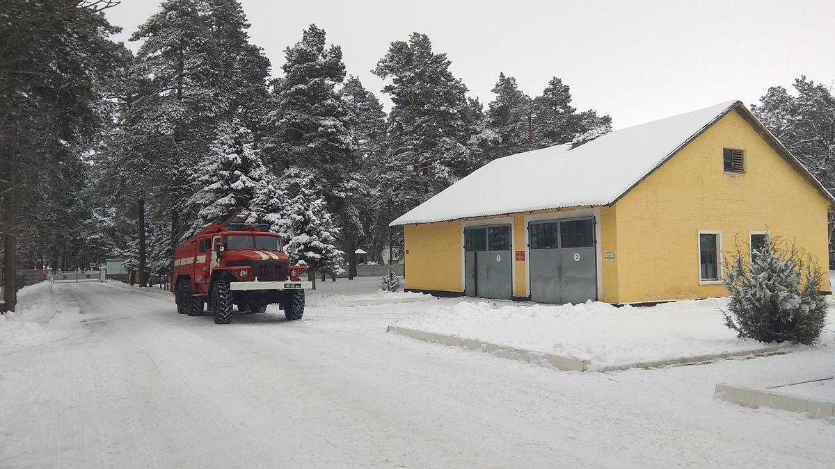 На территории части находится пожарное депо. Фото: Анастасия ШИМКО