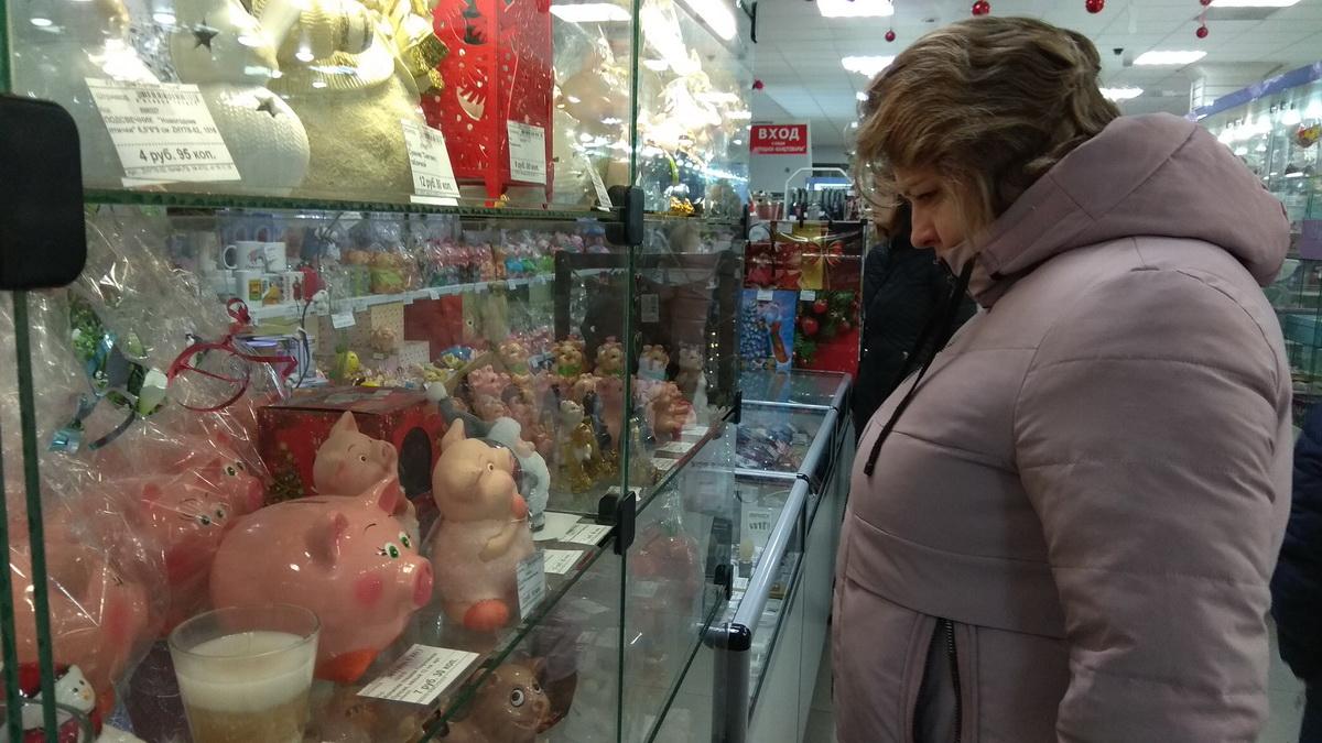 Радуга, магазины, новогодняя торговля, Барановичи