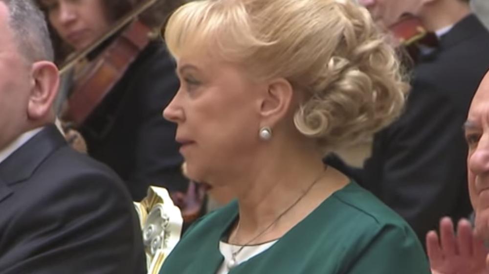 Лукашенко наградил орденом Почета врача, которую неофициально называют «мамой Коли» (видеофакт)